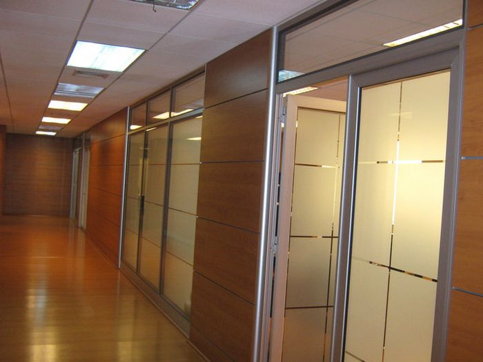 Aluminios abasil tabiquer a de aluminio y vidrio - Tabiques separadores de ambientes ...